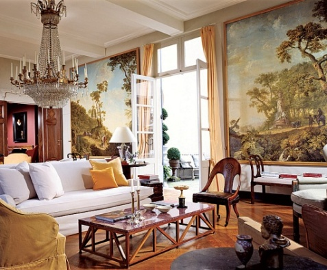 A mix of art and antiques in a living room in Belgium typifies the designer_s approach (AD, July 2003)