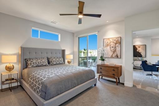 08-1500-upstairs-bedroom-reverse