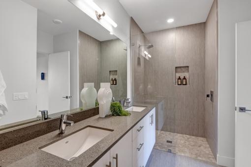 1200-master-bathroom-reverse