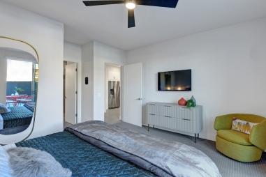 1200-master-bedroom-reverse