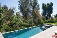 tobey_maguire_new_house_brentwood_1