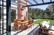 tobey_maguire_new_house_brentwood_10