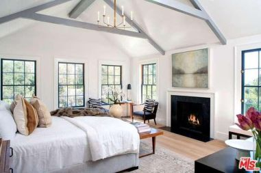 tobey_maguire_new_house_brentwood_3