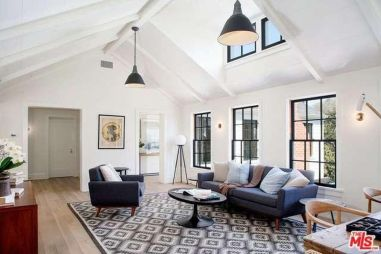 tobey_maguire_new_house_brentwood_4