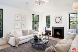 tobey_maguire_new_house_brentwood_5