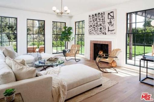 tobey_maguire_new_house_brentwood_6